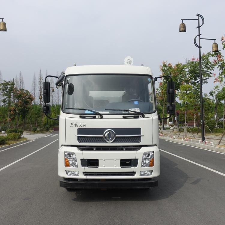 16吨东风天锦饲料车