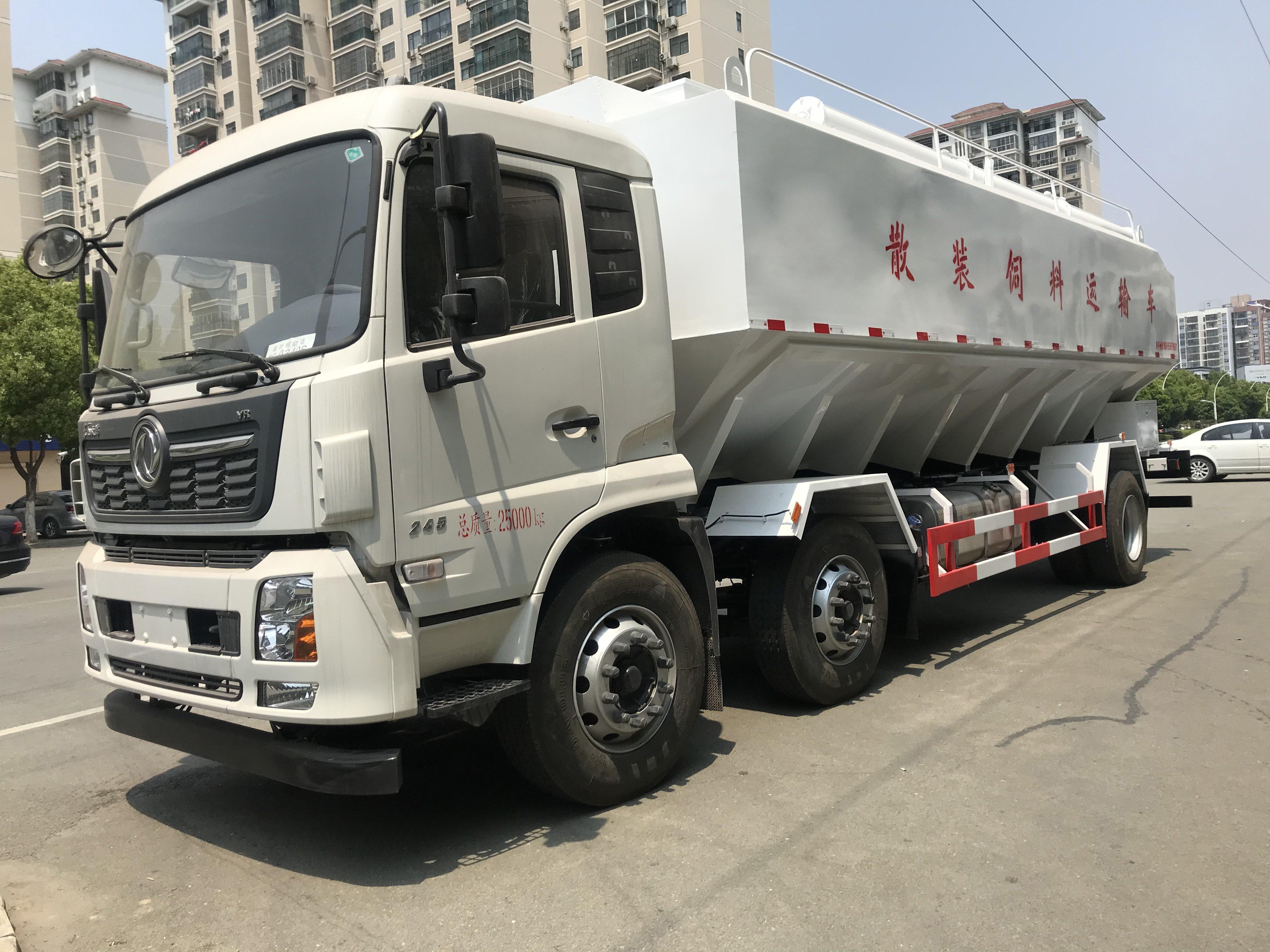 18吨东风天锦饲料车
